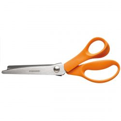 Fiskars Classic Pinking Shears 9445 out pack