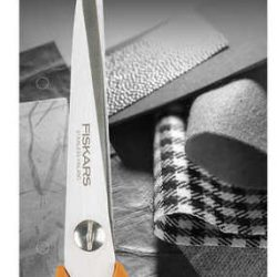 Fiskars Classic Universal Purpose Scissors 9853 in pack