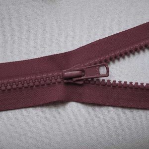 VSO56 colour 527 burgundy YKK Zip