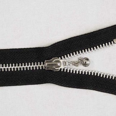 YKK-RAC56-DACAB-No.-5-Closed-Ended-Metal-Ball-and-Chain-Slider-Zip