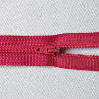 Opti 2120 Nylon No.3 Zips 61cm colour 3697