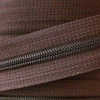 YKK Nylon No.4-5 Chain in Brown 570