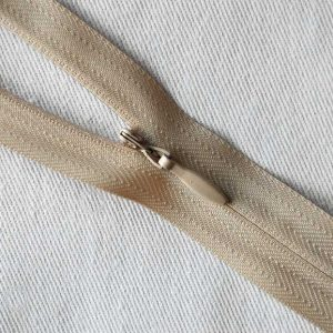 Opti Invisible No.3 Zips – 4300 Closed Ended - colour 8303