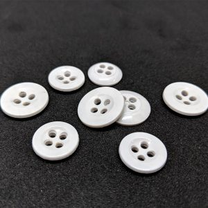 Trouser 4 hole buttons in White - William Gee