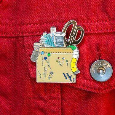 William Gee 115 Anniversary Pin - RED