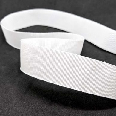 Curved Petersham Ribbon in White 25mm - William Gee UK